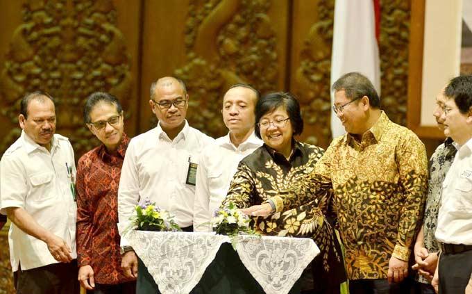 Siti Nurbaya Minta Masyarakat Tetap Waspada