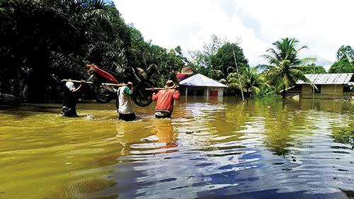 Riau Dikepung Banjir, Tiga Pintu PLTA Dibuka 50 Cm