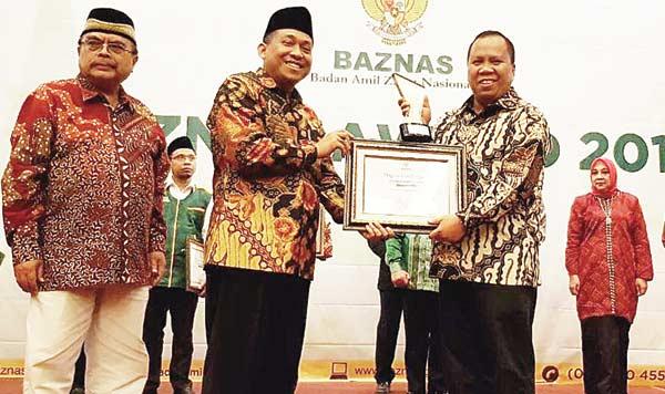 Bupati Irwan Raih  Baznas Award 2018