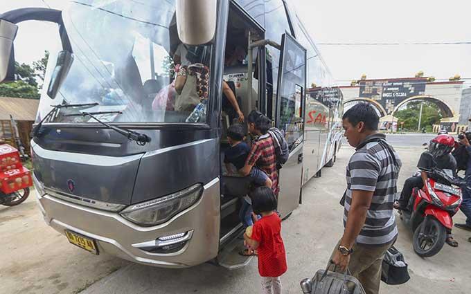 Tiket Pesawat Mahal, Penumpang Bus Meningkat