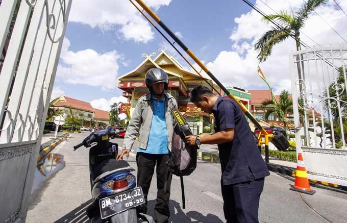 Tambah CCTV dan Metal Detector