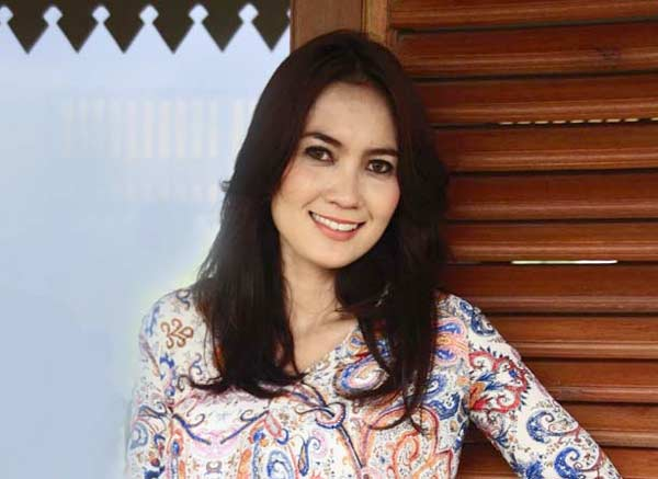 KPK Cekal Model Cantik Terkait Kasus Suap Gubernur Aceh