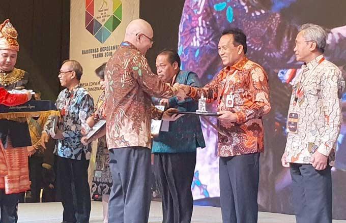 Pemprov Riau Raih Pengelolaan Kepegawaian Terbaik