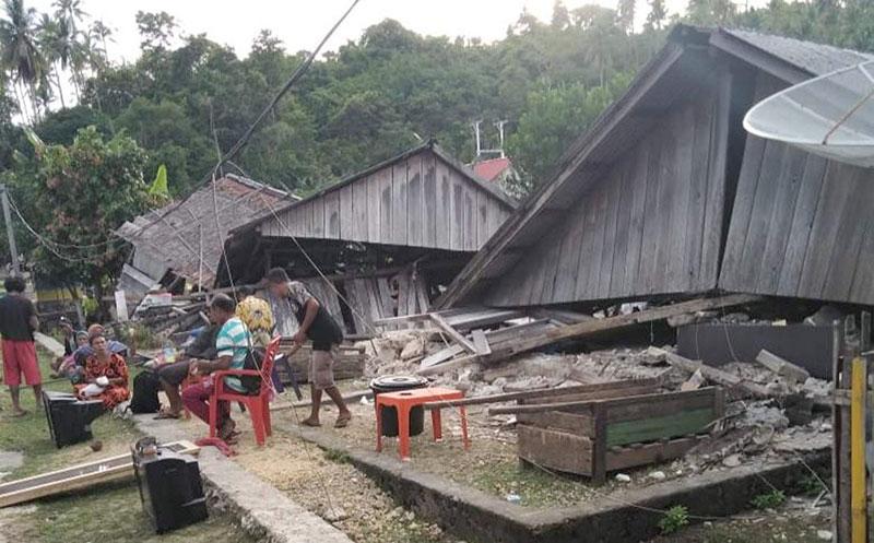 Enam Meninggal Pascagempa Halmahera Selatan