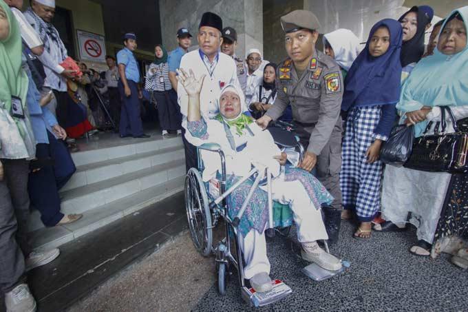 JCH Riau Dilepas Isak Tangis Keluarga