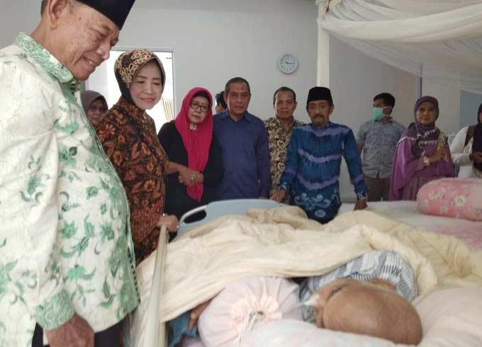 Tokoh Masyarakat Riau Doakan Prof Tabrani Rab