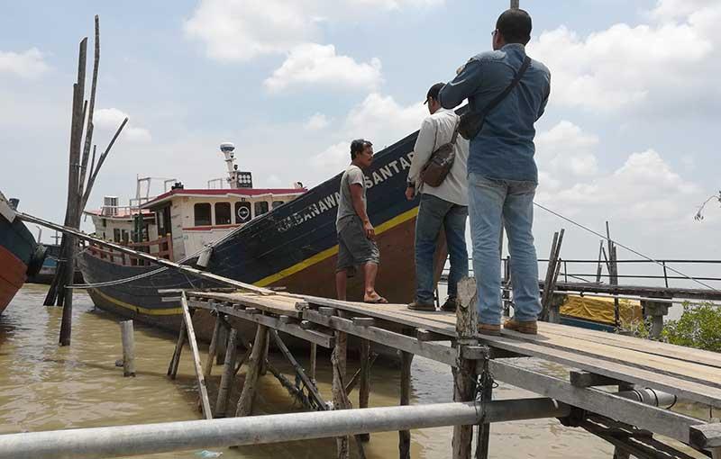 Transportasi Mahal, Kapal Sagu Jadi Pilihan