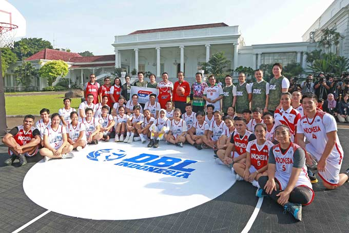 Setelah 37 Tahun, Jokowi Kembali Main Basket