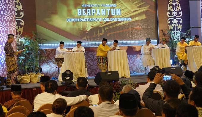 Pasangan Calon Sama-Sama Janjikan Riau Lebih Maju