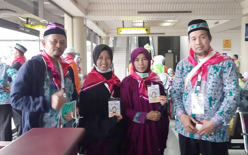 Thasya Jamaah Termuda Riau, Bersama Ibu ke Tanah Suci