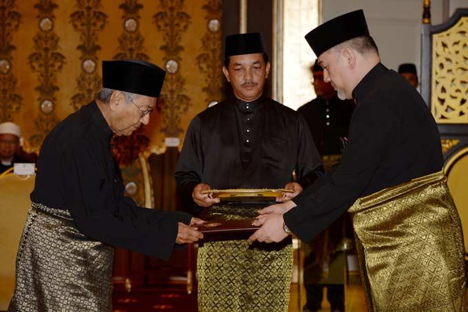 Presiden Jokowi Langsung Hubungi Mahathir