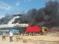 Kapal Berbendera Mongolia Terbakar di Perairan Batam