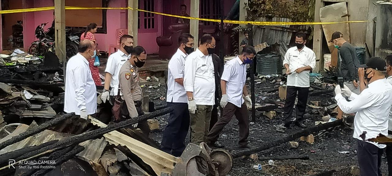 Bupati Sambangi Puing Rumah Warga Terbakar di Bagansiapiapi
