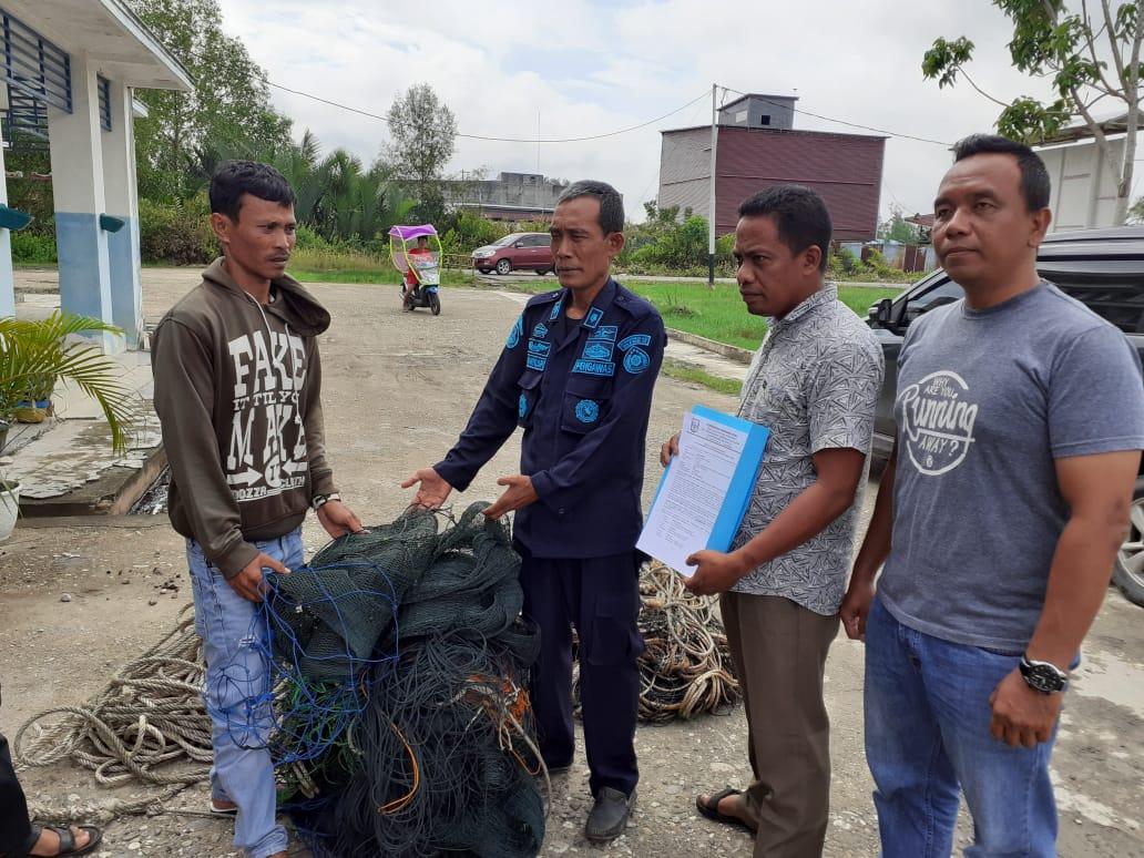Nelayan di Perairan Riau Ini Ditegur karena Gunakan Trawl