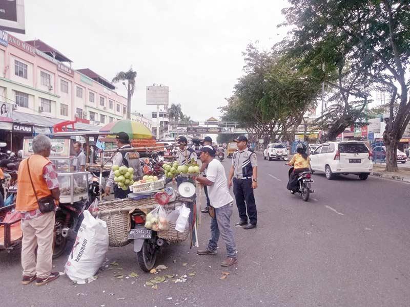 Parkir Liar di Jalan Sudirman Ditertibkan
