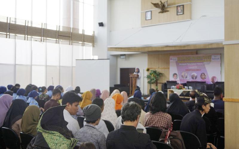 Buku Palung Tradisi Karya Penyair Perempuan Indonesia Diperbincangkan