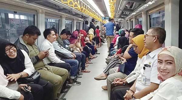 LRT Mogok karena Sensor Pintu Bermasalah