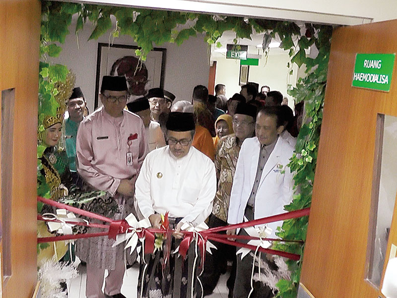Ruangan Hemodialisa RSUD Arifin Achmad Resmi Beroperasi