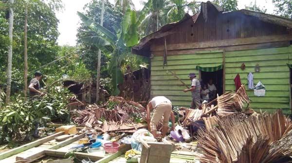 Puting Beliung  Hancurkan 27 Rumah