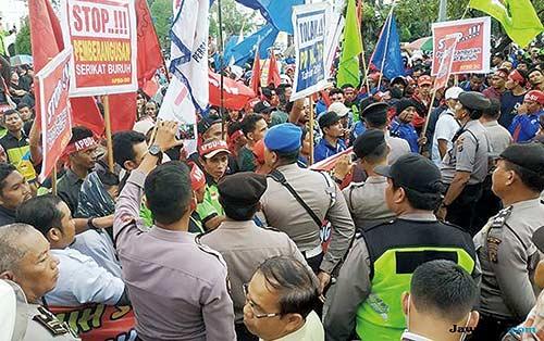 Pengamanan Hang Nadim Diperketat