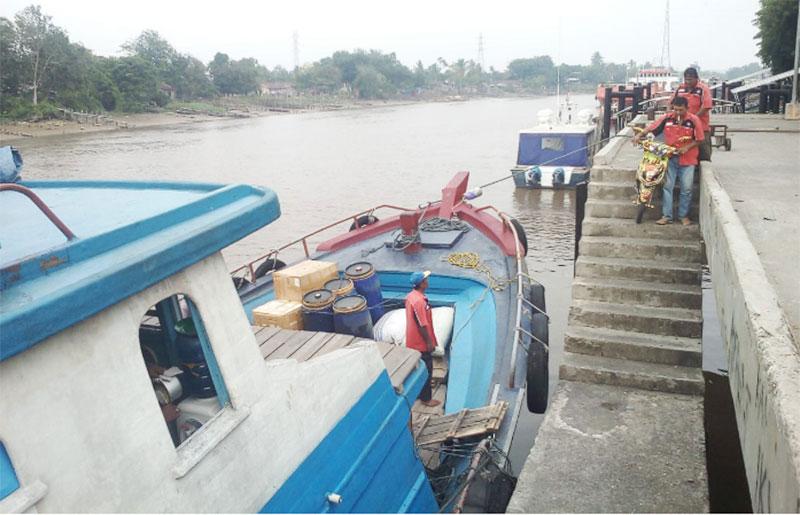 Aktivitas Pelabuhan Lancar, Warga Ingin Pemerintah Tegas Hadapi Asap