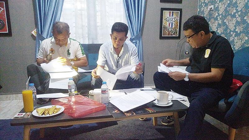 """Direktur Riau Pos Jadi Juri Lomba PLN """"Menembus Batas Riau Terang"""""""