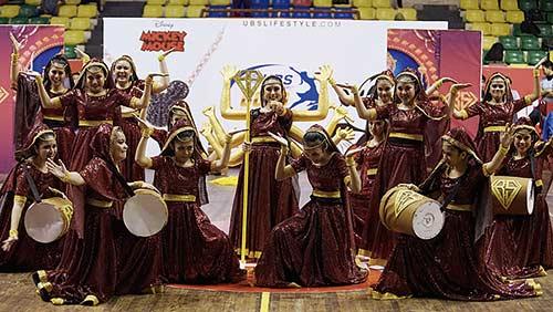 Tim Dance SMAN 8 Angkat Nuansa India