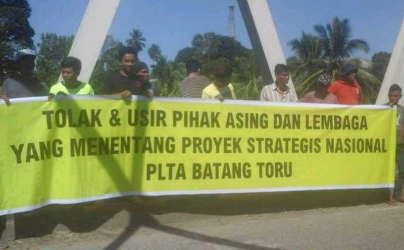 Masyarakat Gelar Aksi Dukung Pembangunan PLTA Batangtoru