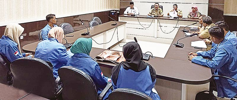 Aplikasikan Ilmu, Mahasiswa UIN Kunjungi Disnakertrans Riau