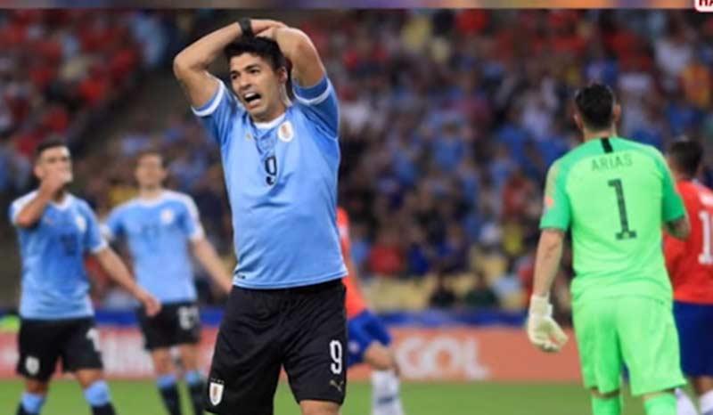 Lucunya Suarez, Minta Penalti karena Tangan Kiper