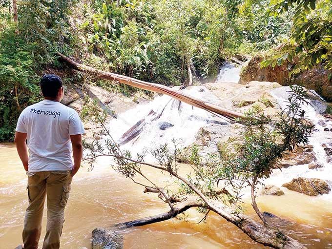 Air Terjun dan Budaya Nan Eksotis
