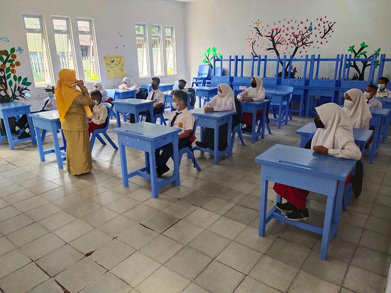 Gerbang Sekolah di Meranti Kembali Ditutup