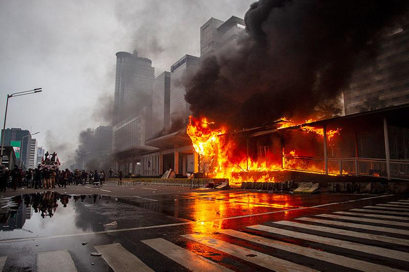 Pemprov DKI Siapkan Rp25 Miliar untuk Perbaikan 11 Halte yang Dibakar