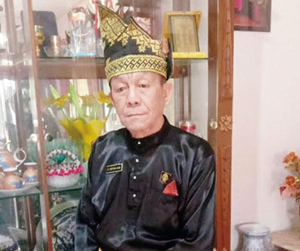 18 Hari, Gelar Datuk Seri Setia Amanah Gugur