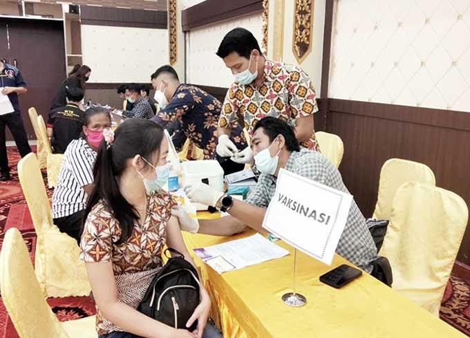 1.114 Lansia Terima Vaksinasi Kedua