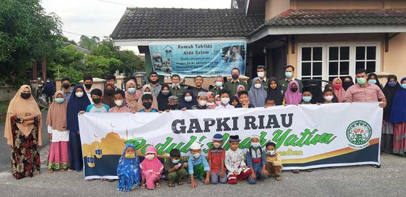 GAPKI Riau Santuni Anak Yatim dan Hafiz Quran
