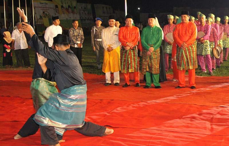 Gubri Akan Bangun Quran Center Tutup MTQ Siak XIX
