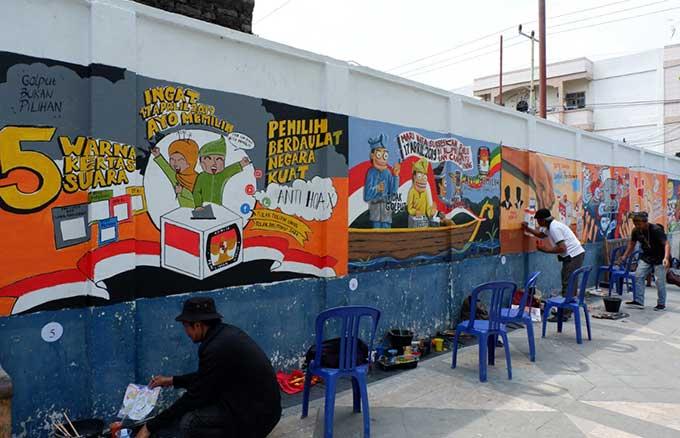 Sosialisasikan Pemilu lewat Mural