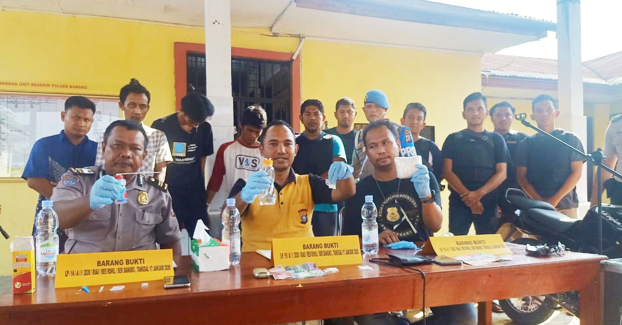 Tiga Pengedar dan Satu Pengguna Sabu Diamankan Polisi di Rohil