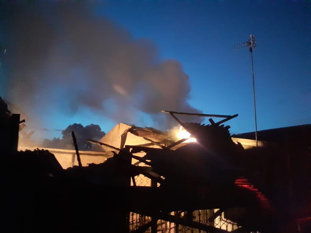 Dua Unit Rumah Dilalap Api, Seorang Warga Tualang Tewas Terbakar