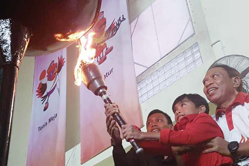 Latifah Fitri Nyalakan Api Peparpenas IX
