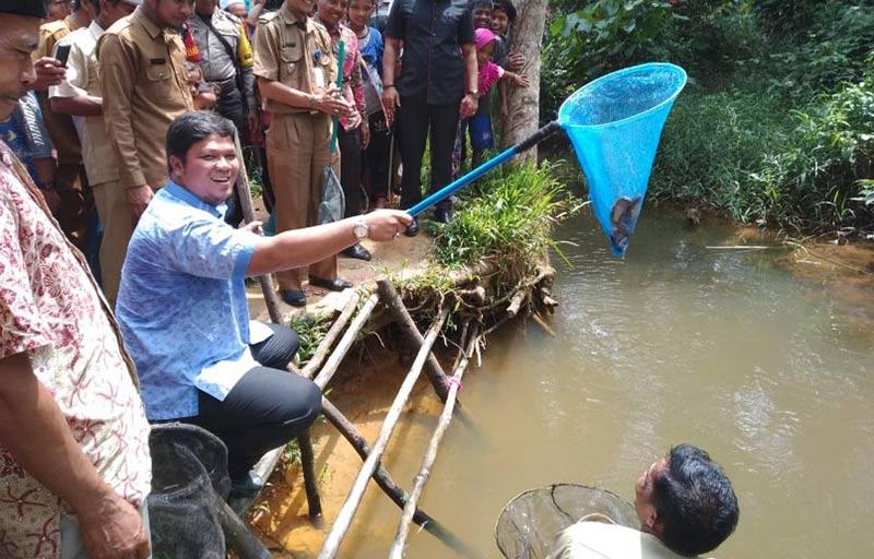 Ketua DPRD Merawang di Sungai Larangan