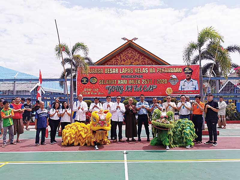 PSMTI Riau dan KBI Rayakan  Imlek dengan Warga Binaan
