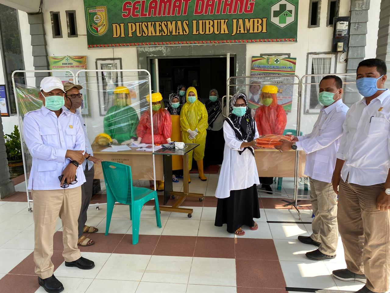 Fraksi Gerindra DPRD Kuansing Salurkan 900 Masker dan 50 APD di Kuansing