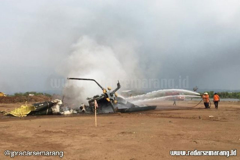 Helikopter TNI AD Jatuh di Kendal saat Latihan