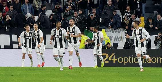 Juventus Masih Kokoh di Puncak