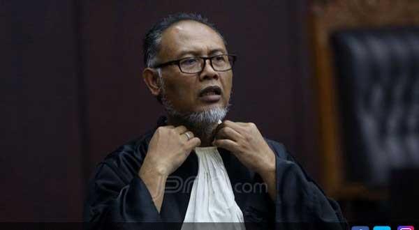 Hakim MK Ancam Usir Bambang Widjojanto, Ini Penyebabnya