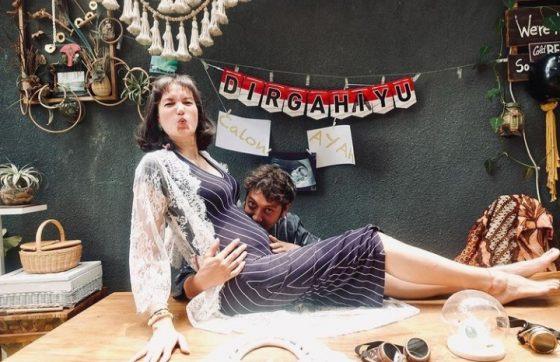 Hamil 4 Bulan, Nadine Chandrawinata dan Dimas Anggara Bahagia