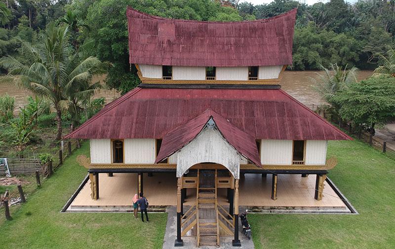 Pesona Wisata Sejarah Istana Rokan