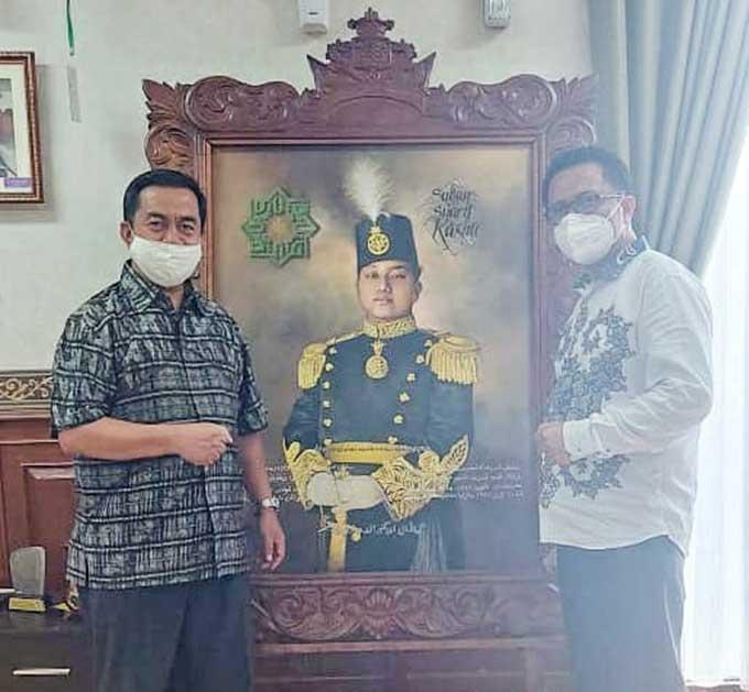 Yayasan Thawalib Undang Rektor UIN Suska Riau Memberikan Kuliah Umum